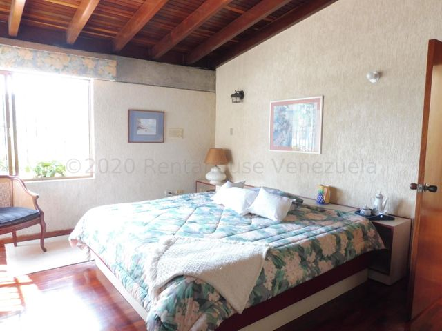 Casa Distrito Metropolitano>Caracas>Colinas del Tamanaco - Venta:425.000 Precio Referencial - codigo: 21-19318