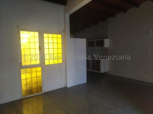 Casa Lara>Cabudare>Santa Cecilia - Venta:18.000 Precio Referencial - codigo: 21-20106