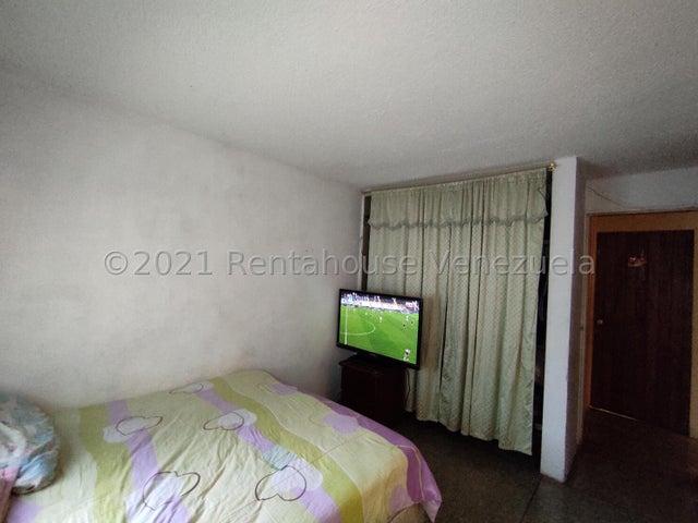 Apartamento Lara>Cabudare>La Mora - Venta:13.000 Precio Referencial - codigo: 21-19430