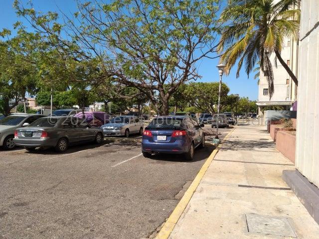 Apartamento Zulia>Maracaibo>Lago Mar Beach - Venta:13.500 Precio Referencial - codigo: 21-19456