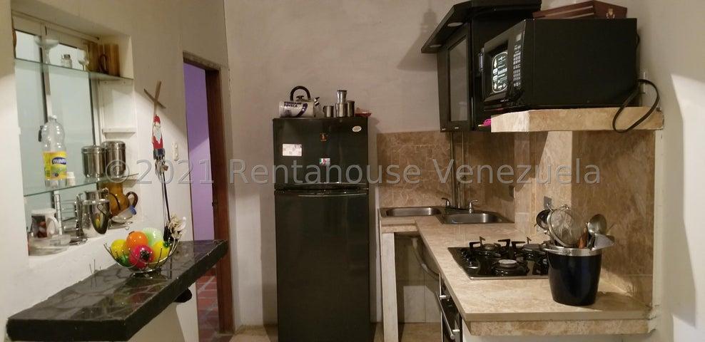 Casa Zulia>Cabimas>Bello Monte - Venta:14.000 Precio Referencial - codigo: 21-19461