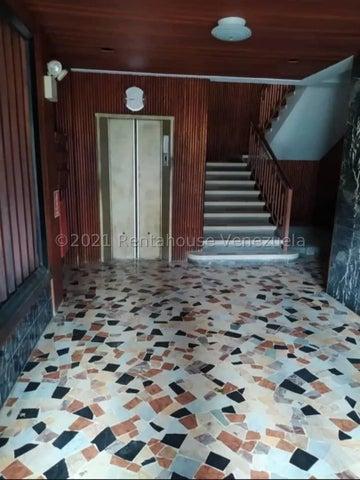 Apartamento Distrito Metropolitano>Caracas>San Bernardino - Venta:35.000 Precio Referencial - codigo: 21-19555
