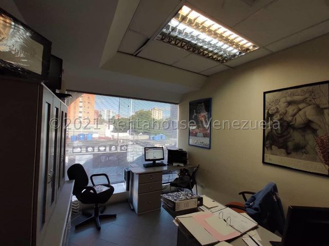 Negocios y Empresas Lara>Barquisimeto>Nueva Segovia - Venta:38.000 Precio Referencial - codigo: 21-19659