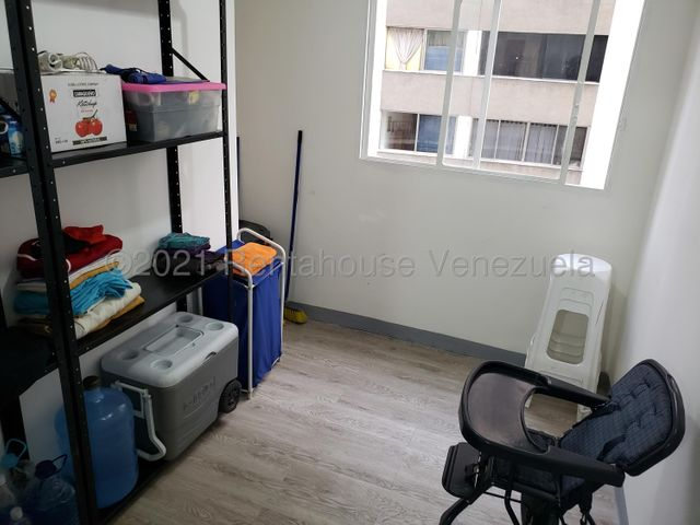 Apartamento Distrito Metropolitano>Caracas>Los Palos Grandes - Venta:130.000 Precio Referencial - codigo: 21-19698