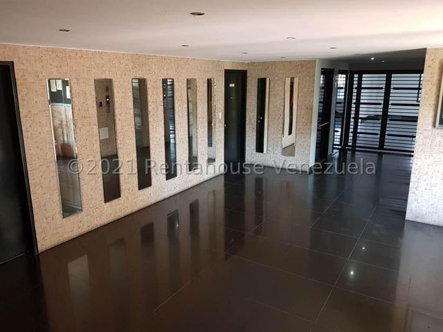 Apartamento Distrito Metropolitano>Caracas>El Rosal - Venta:58.000 Precio Referencial - codigo: 21-19941