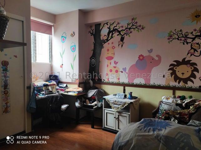 Apartamento Miranda>San Antonio de los Altos>Los Salias - Venta:60.000 Precio Referencial - codigo: 21-20018