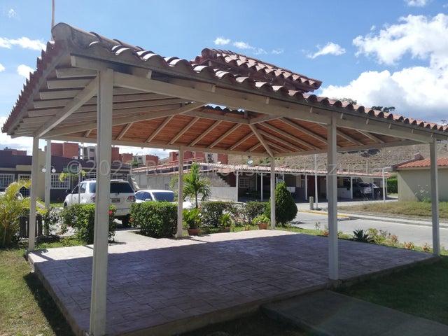 Casa Miranda>Guatire>Canaima Dos - Venta:47.000 Precio Referencial - codigo: 21-20199