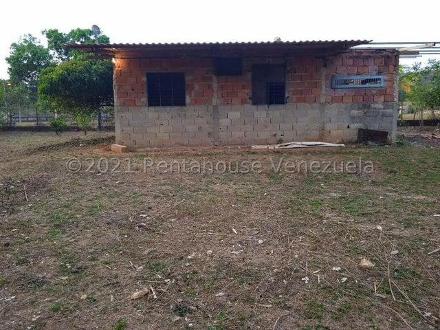 Terreno Carabobo>Municipio Libertador>Parroquia Tocuyito - Venta:13.000 Precio Referencial - codigo: 21-20128