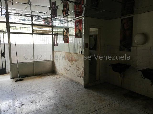 Local Comercial Distrito Metropolitano>Caracas>Los Ruices - Venta:40.000 Precio Referencial - codigo: 21-20772