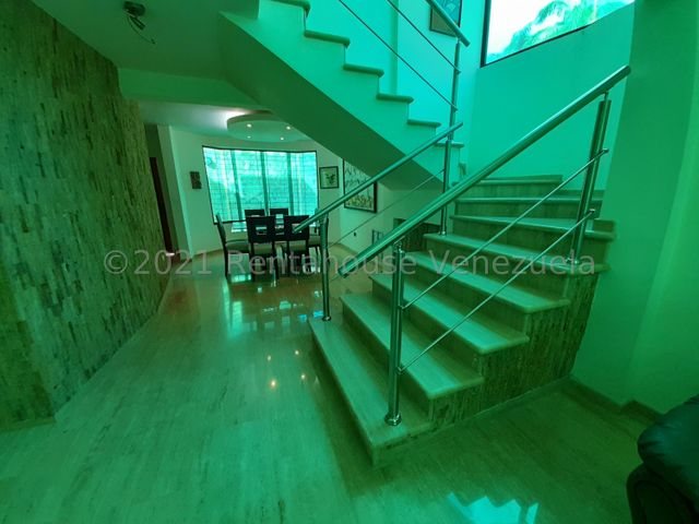 Casa Aragua>Maracay>Andres Bello - Venta:120.000 Precio Referencial - codigo: 21-20138