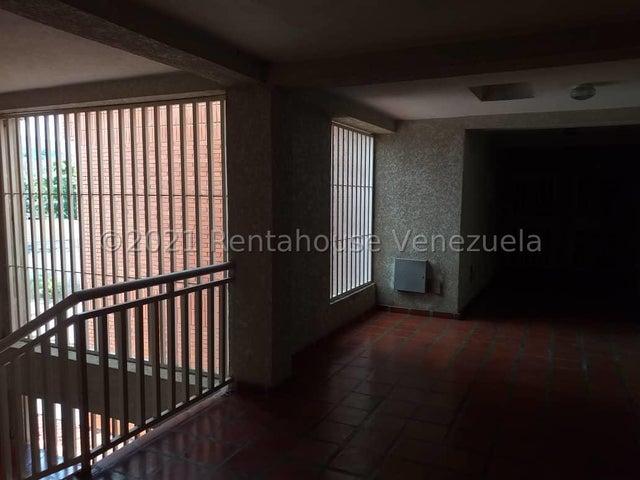 Apartamento Lara>Cabudare>Parroquia Cabudare - Venta:11.000 Precio Referencial - codigo: 21-20187