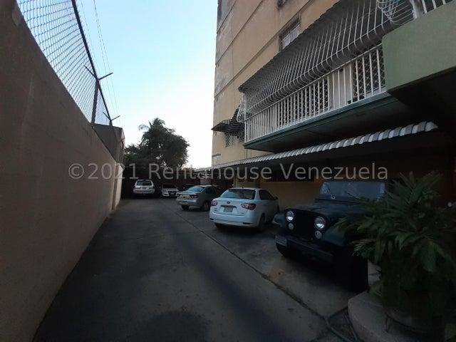 Apartamento Lara>Barquisimeto>Parroquia Catedral - Venta:21.000 Precio Referencial - codigo: 21-20208