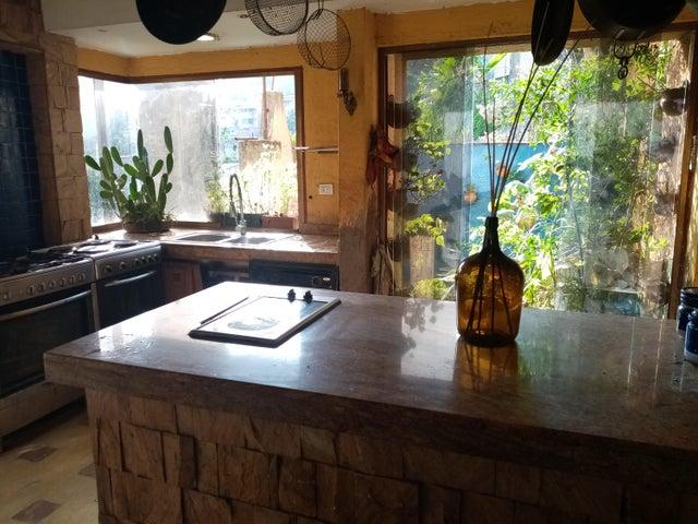 Casa Distrito Metropolitano>Caracas>Oripoto - Venta:150.000 Precio Referencial - codigo: 21-20231