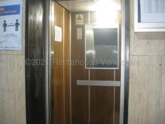 Apartamento Distrito Metropolitano>Caracas>Parroquia Catedral - Venta:15.000 Precio Referencial - codigo: 21-20856