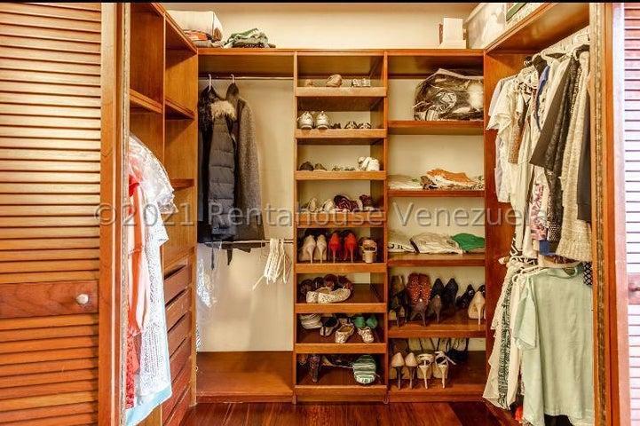 Casa Distrito Metropolitano>Caracas>Oripoto - Venta:950.000 Precio Referencial - codigo: 21-20499