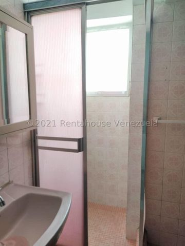 Apartamento Distrito Metropolitano>Caracas>Parque Central - Venta:23.000 Precio Referencial - codigo: 21-20417
