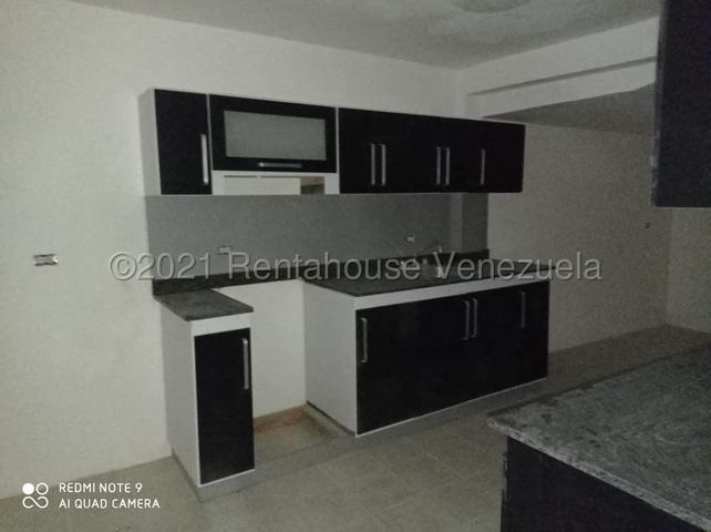 Casa Lara>Cabudare>La Mendera - Venta:25.000 Precio Referencial - codigo: 21-20435