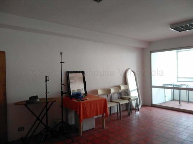 Oficina Distrito Metropolitano>Caracas>Chacao - Alquiler:400 Precio Referencial - codigo: 21-20571