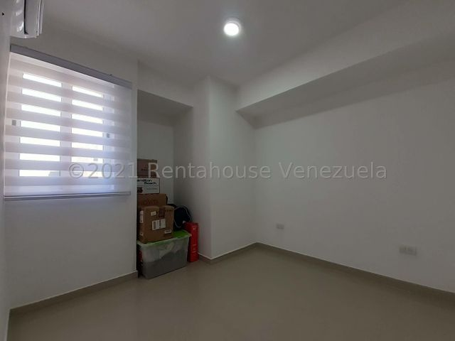 Apartamento Carabobo>Valencia>Las Chimeneas - Venta:45.000 Precio Referencial - codigo: 21-20633