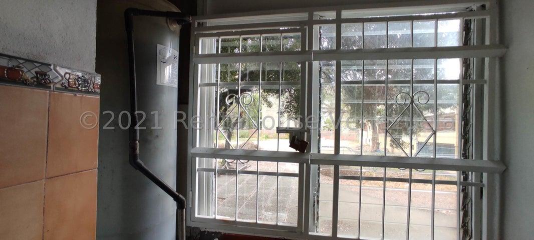 Apartamento Aragua>Maracay>Parque Aragua - Venta:18.000 Precio Referencial - codigo: 21-20642