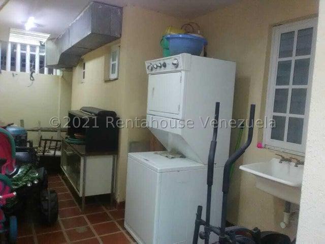 Casa Zulia>Maracaibo>Fuerzas Armadas - Venta:50.000 Precio Referencial - codigo: 21-20847