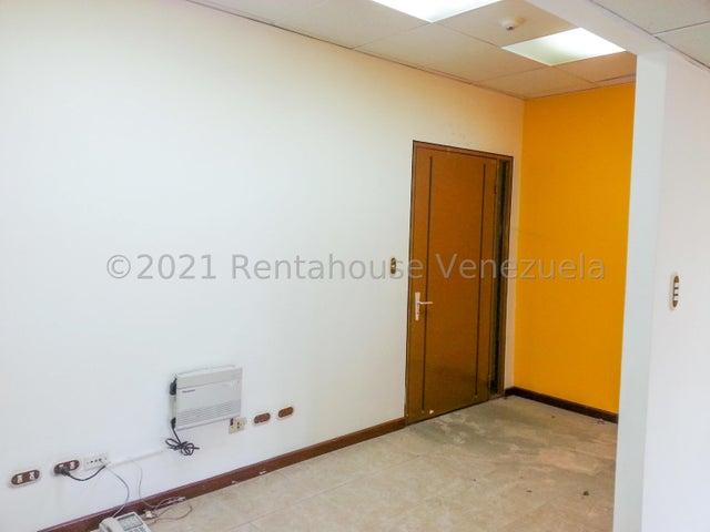 Oficina Miranda>Guatire>El Castillejo - Venta:30.000 Precio Referencial - codigo: 21-20790