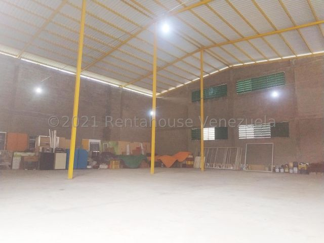 Local Comercial Aragua>Maracay>La Morita - Venta:290.000 Precio Referencial - codigo: 21-16337