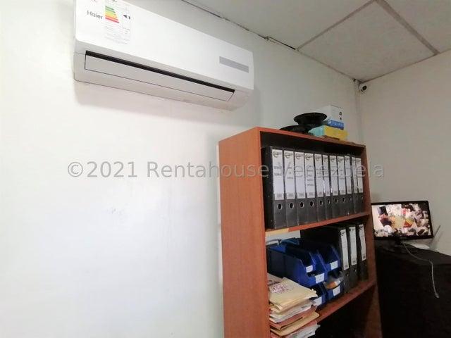 Negocios y Empresas Lara>Barquisimeto>Centro - Venta:18.000 Precio Referencial - codigo: 21-20816
