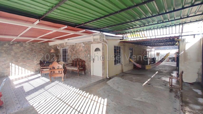 Casa Aragua>Cagua>El Bosque - Venta:23.000 Precio Referencial - codigo: 21-20805