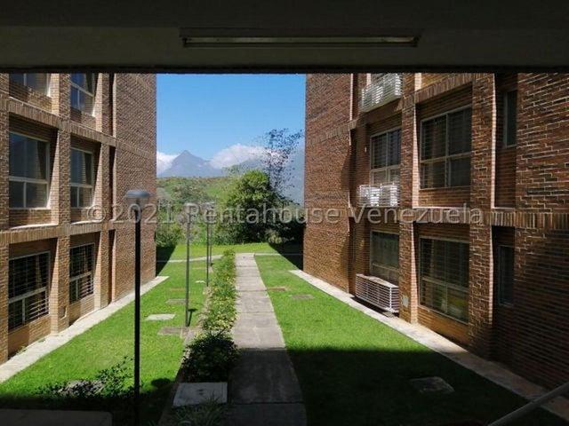 Apartamento Distrito Metropolitano>Caracas>Miravila - Venta:18.000 Precio Referencial - codigo: 21-20811
