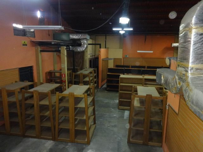 Local Comercial Distrito Metropolitano>Caracas>Montecristo - Alquiler:12.000 Precio Referencial - codigo: 21-20813