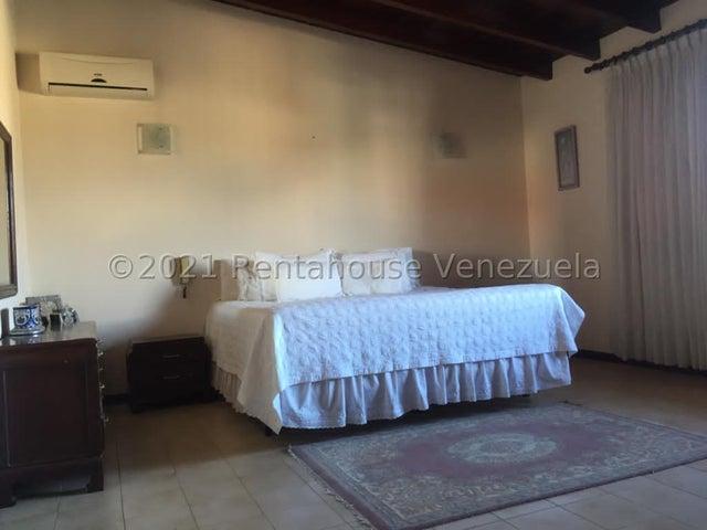 Casa Distrito Metropolitano>Caracas>Los Samanes - Venta:580.000 Precio Referencial - codigo: 21-20832
