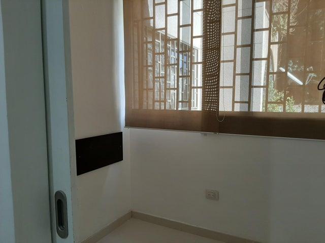 Apartamento Distrito Metropolitano>Caracas>Colinas de Santa Monica - Venta:43.000 Precio Referencial - codigo: 21-20825