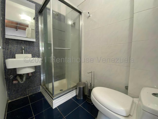 Casa Distrito Metropolitano>Caracas>San Luis - Venta:325.000 Precio Referencial - codigo: 21-20823