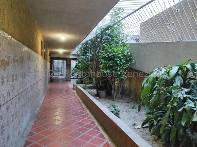 Apartamento Aragua>Turmero>Santiago Mariño - Venta:19.000 Precio Referencial - codigo: 21-20824