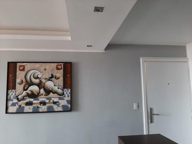 Apartamento Distrito Metropolitano>Caracas>Colinas de La Tahona - Venta:80.000 Precio Referencial - codigo: 21-20828