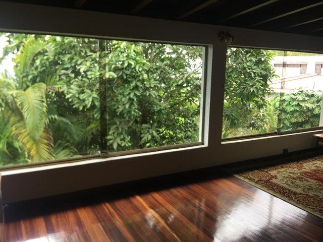 Casa Distrito Metropolitano>Caracas>Oripoto - Venta:340.000 Precio Referencial - codigo: 21-20849