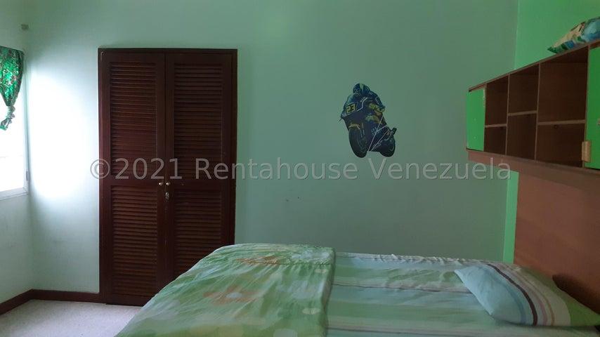 Townhouse Zulia>Maracaibo>Francisco de Miranda - Alquiler:300 Precio Referencial - codigo: 21-20855