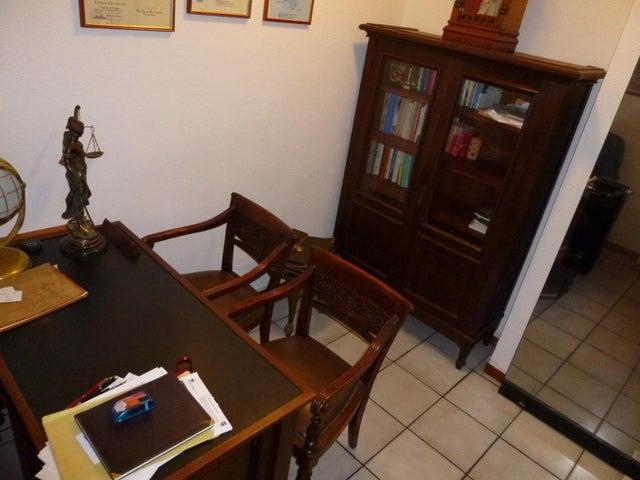 Local Comercial Distrito Metropolitano>Caracas>La Florida - Venta:110.000 Precio Referencial - codigo: 21-20864