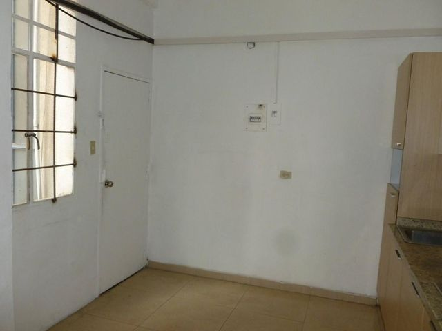 Oficina Distrito Metropolitano>Caracas>Altamira - Venta:150.000 Precio Referencial - codigo: 21-20873