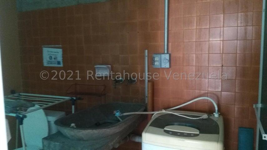 Casa Distrito Metropolitano>Caracas>Campo Claro - Venta:168.000 Precio Referencial - codigo: 21-20890