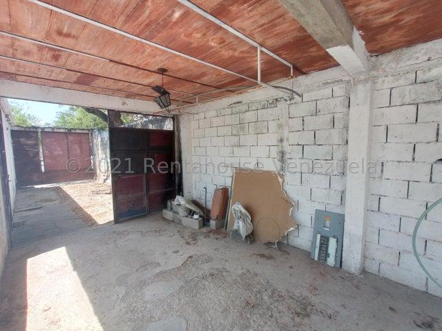 Casa Aragua>Maracay>Las Acacias - Venta:32.000 Precio Referencial - codigo: 21-20868