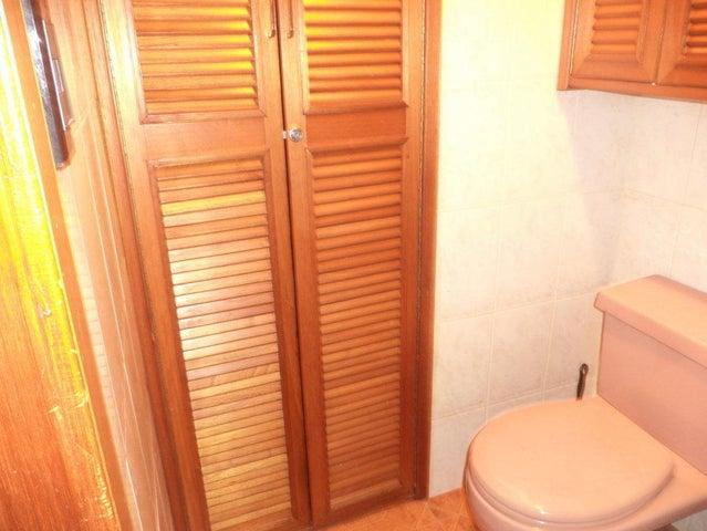Apartamento Distrito Metropolitano>Caracas>Parroquia La Candelaria - Venta:23.200 Precio Referencial - codigo: 21-20937