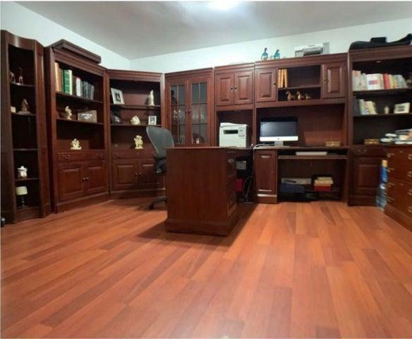 Casa Distrito Metropolitano>Caracas>La Alameda - Venta:370.000 Precio Referencial - codigo: 21-21081