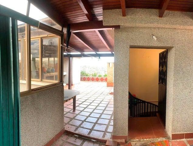 Apartamento Distrito Metropolitano>Caracas>Terrazas del Avila - Venta:130.000 Precio Referencial - codigo: 21-21090
