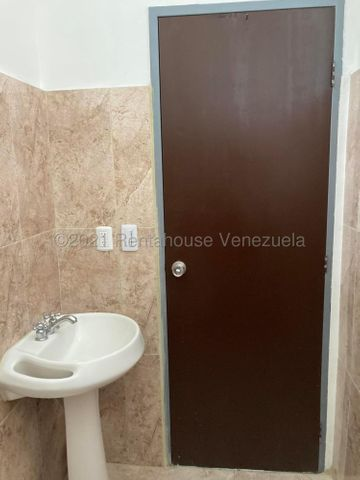 Local Comercial Distrito Metropolitano>Caracas>Campo Claro - Venta:120.000 Precio Referencial - codigo: 21-21136
