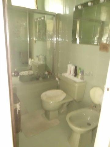 Apartamento Distrito Metropolitano>Caracas>Las Mesetas de Santa Rosa de Lima - Alquiler:750 Precio Referencial - codigo: 21-21138