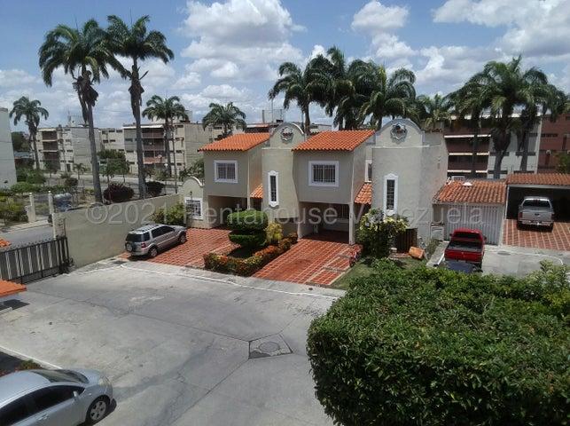 Casa Lara>Cabudare>Centro - Venta:44.000 Precio Referencial - codigo: 21-21177