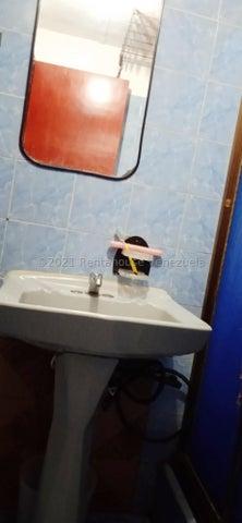 Apartamento Distrito Metropolitano>Caracas>Catia - Venta:15.000 Precio Referencial - codigo: 21-21904