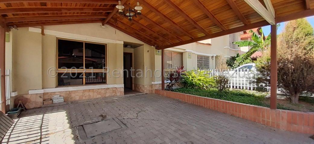Townhouse Aragua>La Victoria>Morichal - Venta:80.000 Precio Referencial - codigo: 21-21307